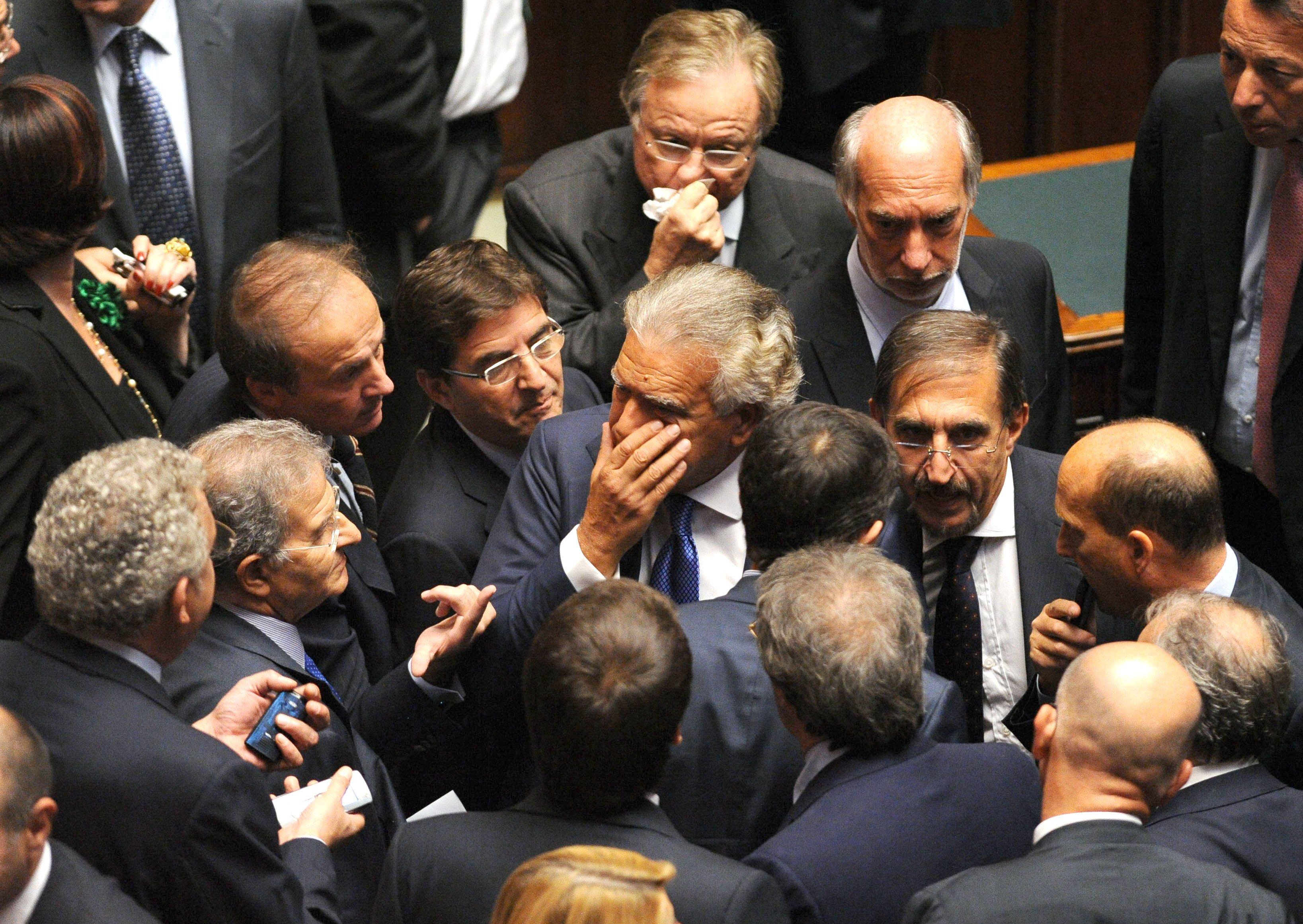 Assenteismo dei politici italiani secondo openpolis for Elenco politici italiani