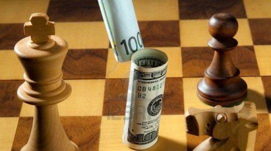 9009117-scacchi-con-dollaro-ed-euro-delle-banconote-simbolo-per-svalutazione-del-dollaro-rispetto-all-euro