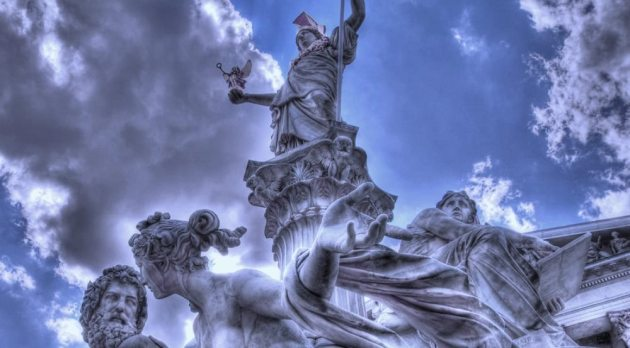 pallas_atena__statue_in_front_of_the_vienna_parli_by_organu-d57xck91